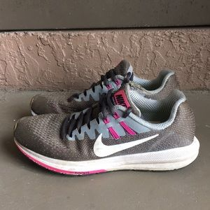 Women Nike Zoom Structure Running Shoes size 7.5
